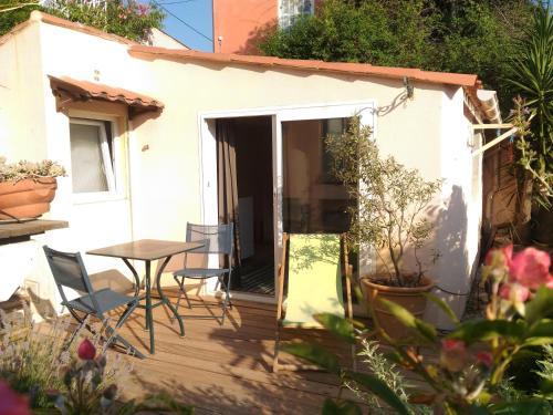 Studio Jardin Centre : Apartment near Marseille 8e Arrondissement