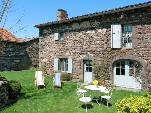 Ferienhaus Ouides 100S : Guest accommodation near Saint-Christophe-d'Allier