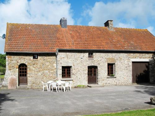 Ferienhaus Saint Maurice-en-Cotentin 402S : Guest accommodation near Le Valdécie
