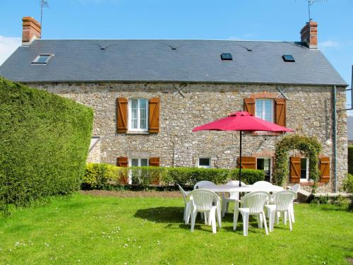 Ferienhaus Saint Maurice-en-Cotentin 401S : Guest accommodation near Le Valdécie