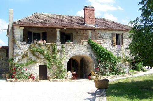Ferienhaus mit Pool Crayssac 400S : Guest accommodation near Espère