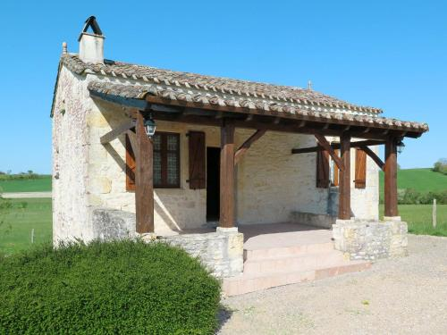 Ferienhaus Lalbenque 400S : Guest accommodation near Caussade