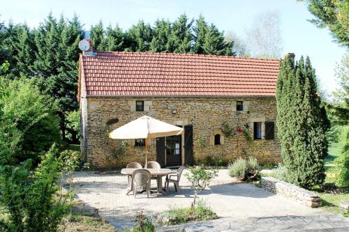 Ferienhaus mit Pool Saint Genies 201S : Guest accommodation near Archignac