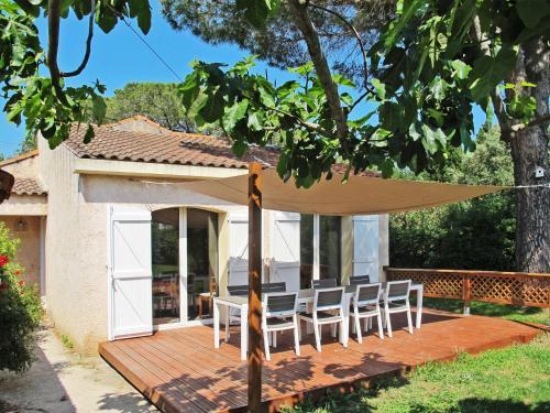 Ferienhaus Hyères / L'Ayguade 140S : Guest accommodation near La Londe-les-Maures