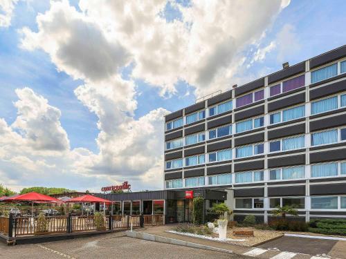 Ibis Villefranche Sur Saone : Hotel near Saint-Didier-de-Formans