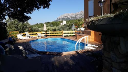 Maison d'hôtes la Garenne : Guest accommodation near Puyloubier