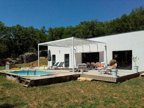 Maison de vacances - Saint Médard : Guest accommodation near Montgesty