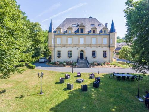 Chateau de Puy Robert : Guest accommodation near Sergeac