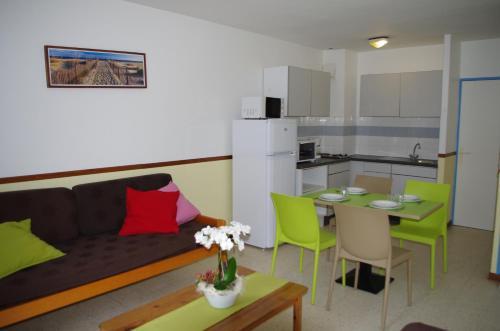 Village Club Thalassa : Guest accommodation near Villeveyrac