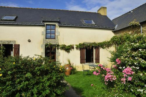 Chambre d'hotes Au Vieux Moulin : Bed and Breakfast near Guidel