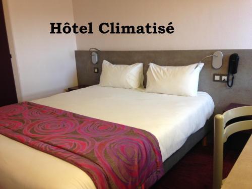 Brit Hôtel Les Evens : Hotel near Beaumont-sur-Sarthe