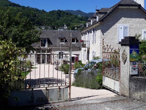 Le Clos de Batsurguère : Bed and Breakfast near Aspin-en-Lavedan