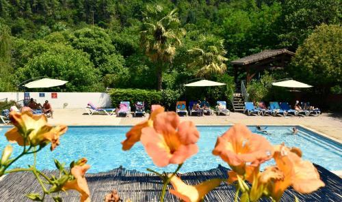 Hameau du Prat : Guest accommodation near Loubaresse