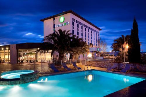Campanile Perpignan Aéroport : Hotel near Claira