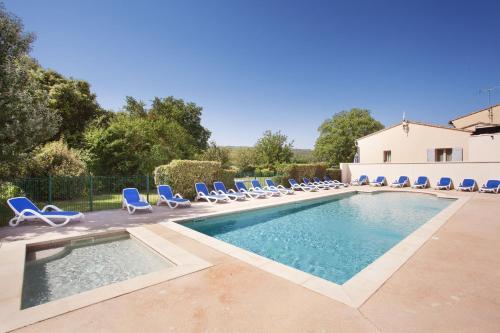 Résidence Odalys Les 4 soleils : Guest accommodation near Goult