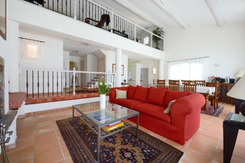 Mas des Hirondelles : Guest accommodation near Aurons