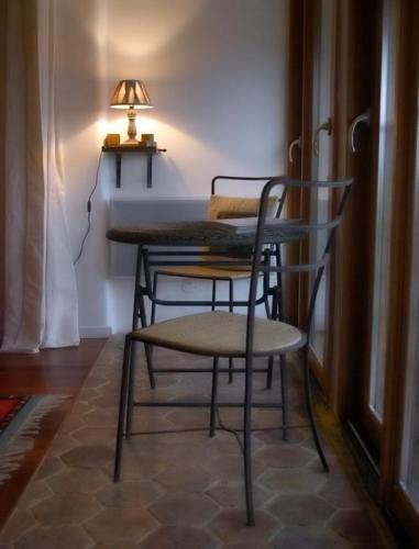 La Grange aux Loirs B&B : Bed and Breakfast near Beauchery-Saint-Martin