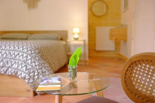 La Maison De... : Bed and Breakfast near Espiet