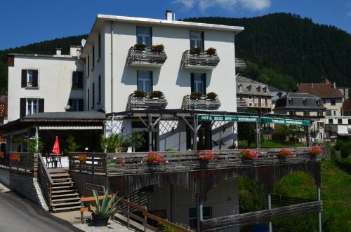 Hotel Le Beau Site : Hotel near Saint-Aupre