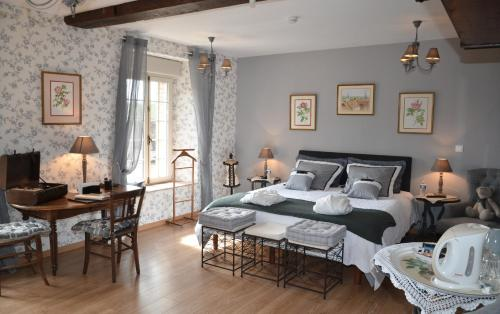 Le Moulin de Gouaix B&B : Bed and Breakfast near La Chapelle-Saint-Sulpice