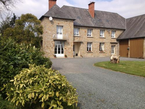 Le Clos Castel : Bed and Breakfast near Montcuit