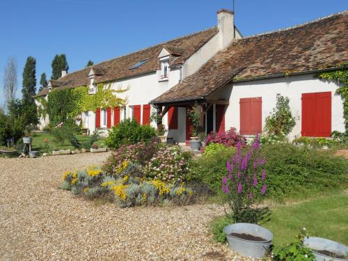 Ferme les Rousseaux : Bed and Breakfast near Saint-Loup-d'Ordon