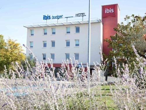 ibis budget Montauban Les Chaumes : Hotel near Montbartier