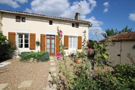 Alouette : Bed and Breakfast near Beaulieu-sur-Sonnette