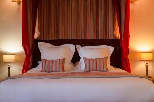Hotel The Originals Domaine de La Groirie - Hôtel & Séminaires (ex Relais du Silence) : Hotel near Beaumont-sur-Sarthe