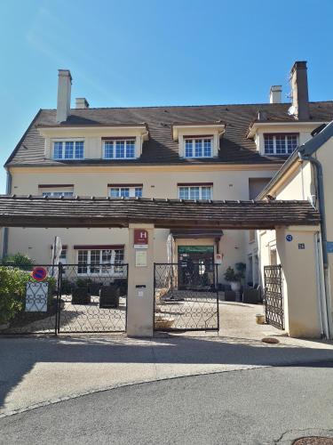Hôtel La Bonbonnière - Dijon : Hotel near Poncey-sur-l'Ignon