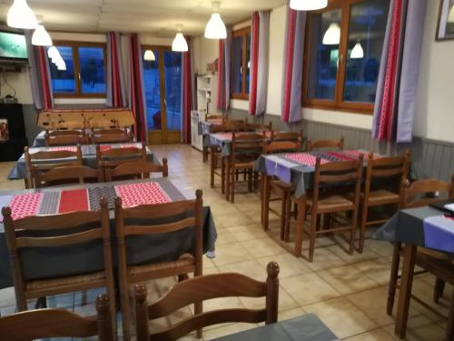 Camping L'Adrech : Guest accommodation near Moriez