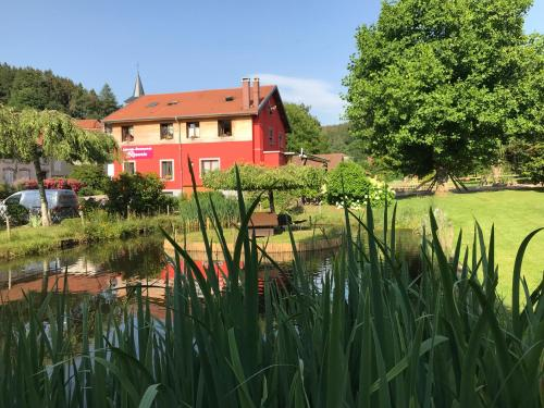 Auberge Restaurant La Roseraie : Guest accommodation near Grandrupt