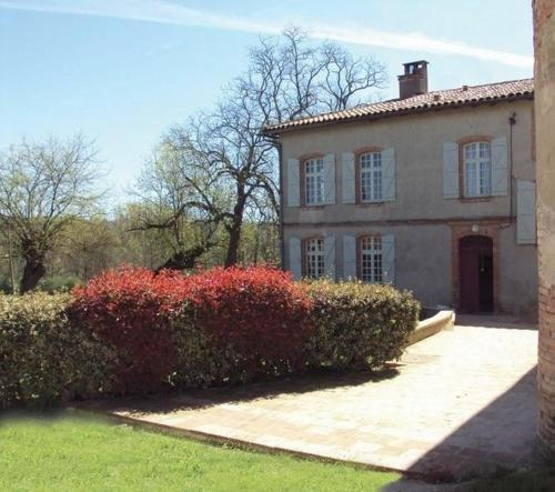 Domaine de Belcayre : Bed and Breakfast near Le Born