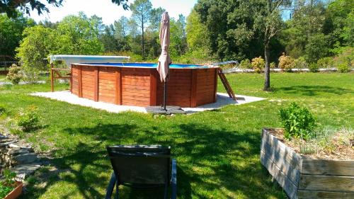 L'escale gourmande : Bed and Breakfast near Montselgues