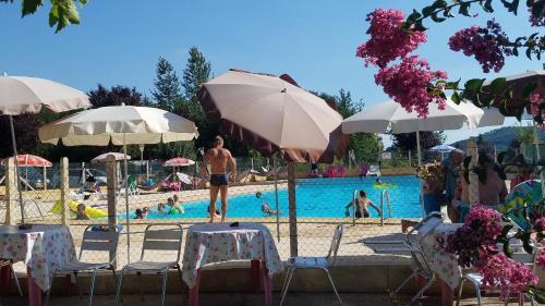 Camping le Mondou, Chalet ou Mobile home : Guest accommodation near Masclat