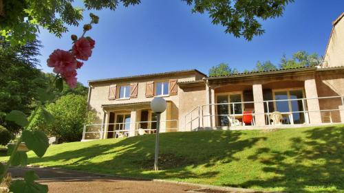 VVF Villages « Le Fort des Pyrénées » Prats-de-Mollo-la-Preste : Guest accommodation near Le Tech