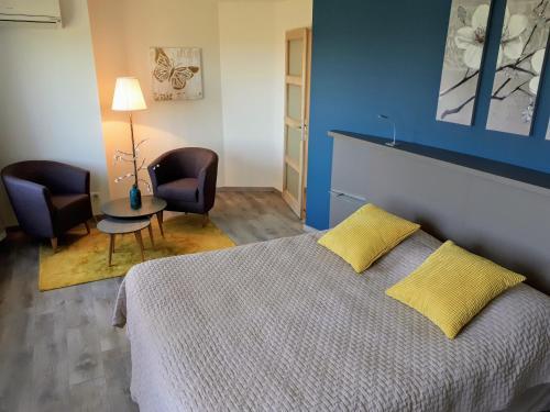 Auberge du Poids Public : Hotel near Mas-Saintes-Puelles
