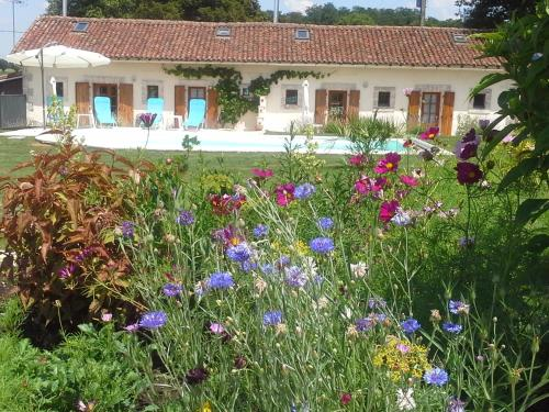 La Vieille Gorce Gites & Chambres d'Hotes : Bed and Breakfast near Charroux