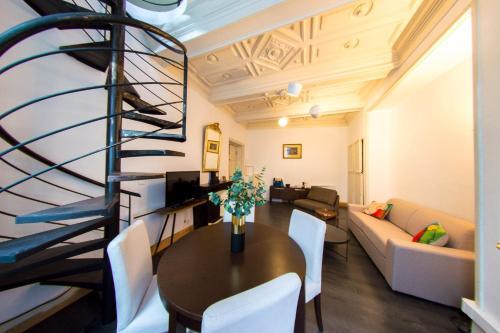 Le Retro Mirabeau : Apartment near Montredon-des-Corbières