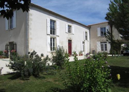 Maison d'Hôtes Le Cadran Solaire : Guest accommodation near Varaize