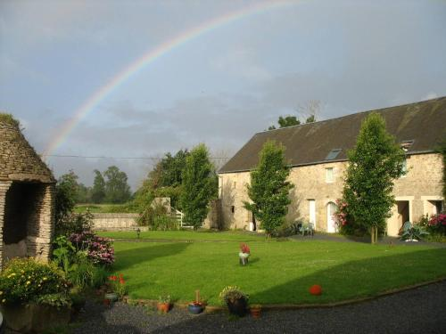 Chambres d'Hôtes Les Piéris : Bed and Breakfast near Cricqueville-en-Bessin