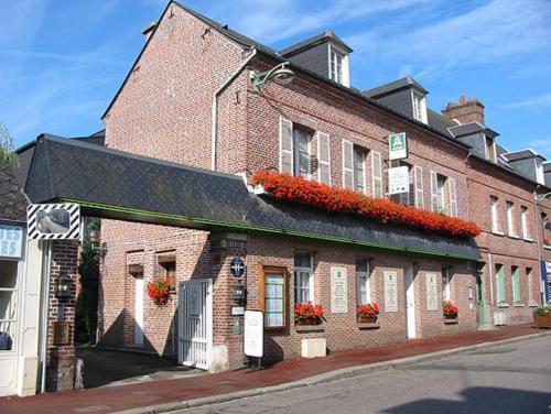 Logis Hôtel Restaurant La Paix : Hotel near Saint-Quentin-des-Prés