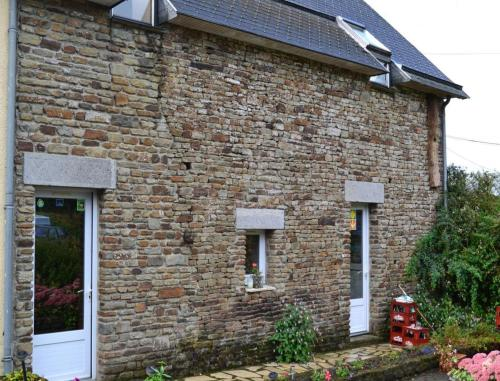 Ferme de la Lande Martel : Bed and Breakfast near Crollon