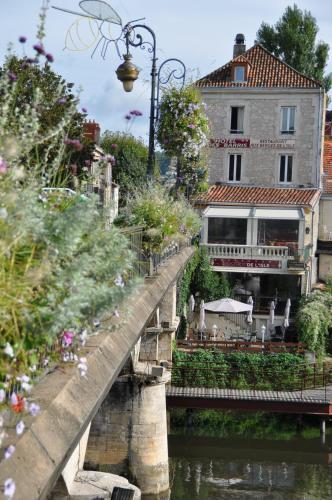 Villa des Barris : Hotel near Antonne-et-Trigonant