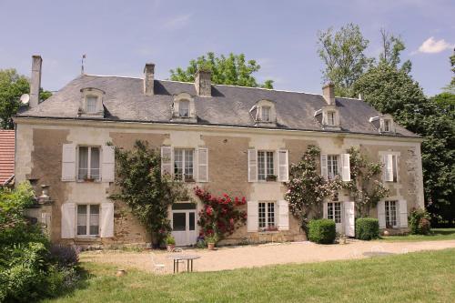 Manoir de la Blonnerie : Bed and Breakfast near Saint-Sauveur