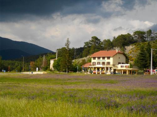 Le Relais de l'Artuby : Hotel near La Martre