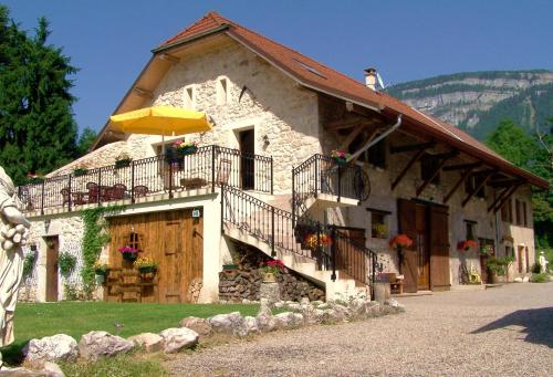 Les Grands Champs : Bed and Breakfast near Merlas