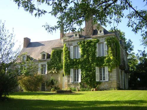 La Marronniere : Bed and Breakfast near Sceaux-d'Anjou