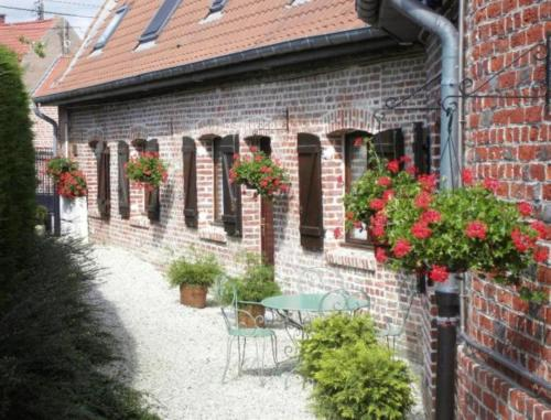 Gite Ferme de la Place : Guest accommodation near Genech