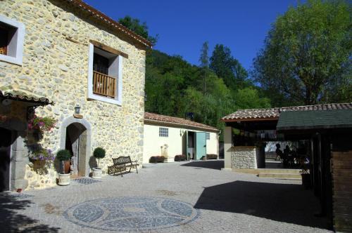 Camping La Ferme de Castellane : Guest accommodation near La Garde